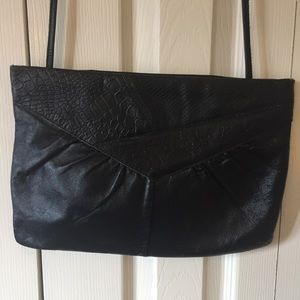 Handbags - Vintage 80s crossbody purse